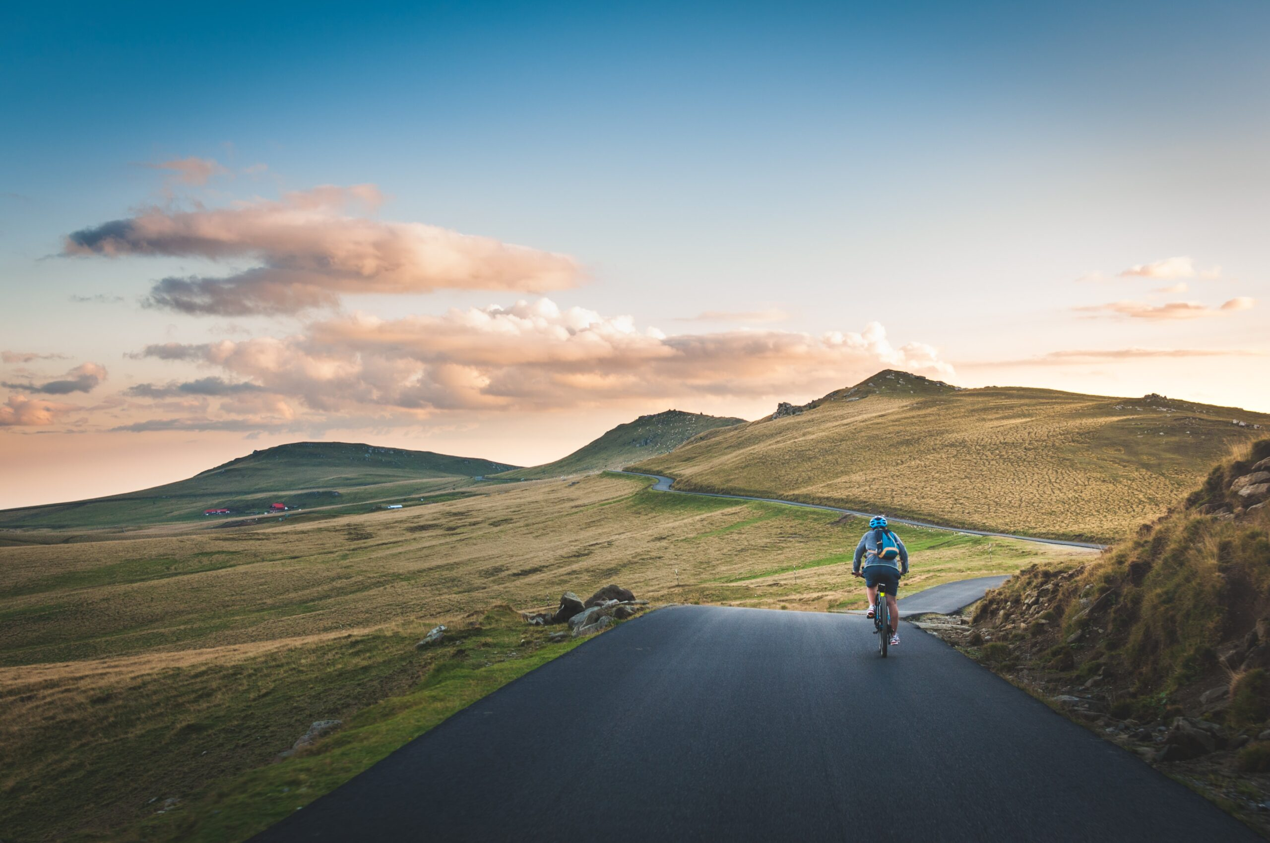 Training Habits to Improve Your Cycling Speed